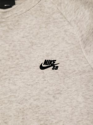 New Nike SB Crewneck for Sale in Artesia, CA