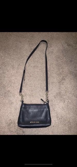 Michael kors crossbody purse for Sale in Clovis, CA