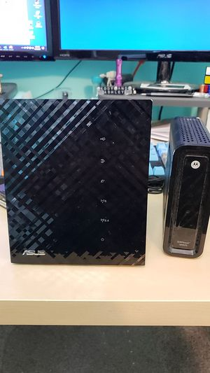 ASUS RT-N56U wireless router and Motorola SB6121 Modem for Sale in Puyallup, WA