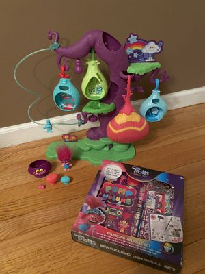 Trolls Treehouse with Activity Set for Sale in East Haven, CT