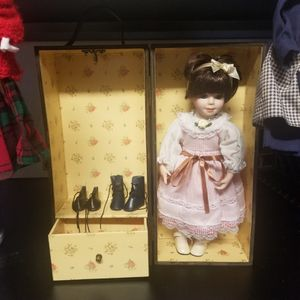 Antique Doll for Sale in Kissimmee, FL