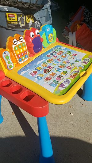 Vtech touch and learn activity desk for Sale in Woodland Hills, CA