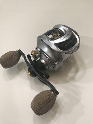 NEW Quantum Vapor PT right hand baitcaster fishing reel VP100HPT for Sale in Alvin, TX