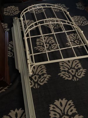 Iron bed frame twin for Sale in Springfield, OR