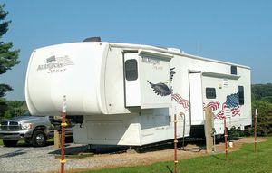 Toy hauler, fifth wheel, 2006 Forest River...superb quality for Sale in Telford, TN