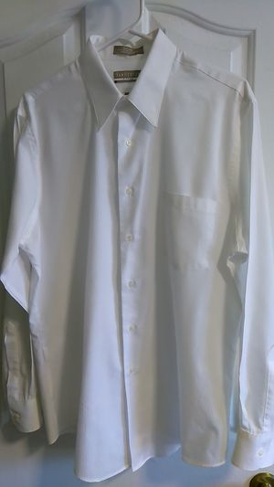LG. SATIN STRIPE VAN HEUSEN WRINKLE FREE MEN'S SHIRT for Sale in Calexico, CA