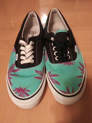 Vans sz.12 blk/pink/aqua for Sale in Chicago, IL
