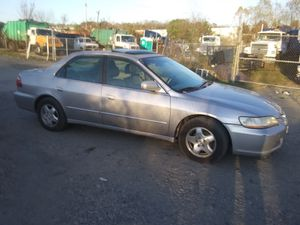 1998 Honda Accord Ex 200k miles runs and drives!!! for Sale in Temple Hills, MD