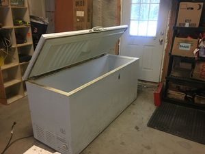 Frigidaire Freezer 8ft for Sale in Saco, ME