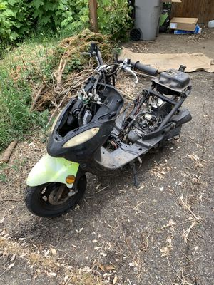 49cc scooter FREE FREE FREE (good motor) for Sale in Beaverton, OR