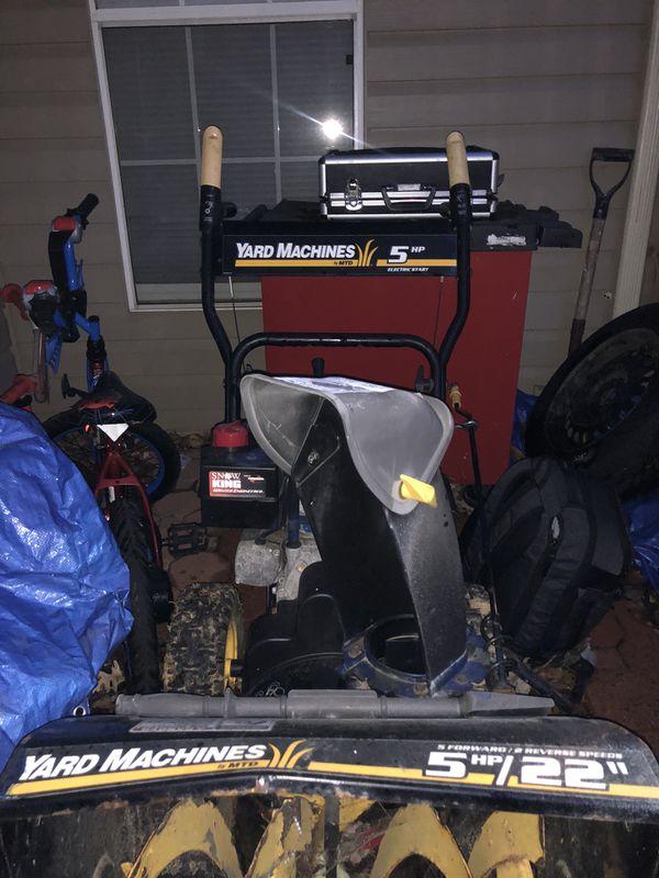 YARD MACHINES 5HP Snow Blower