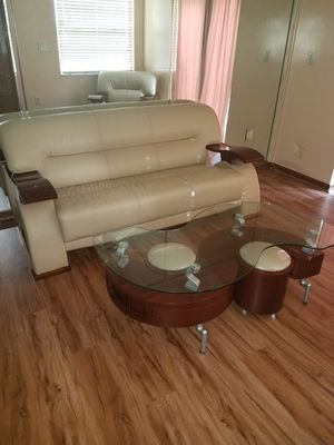 Sofa, loveseat and table with 2 ottomans for Sale in Miami, FL