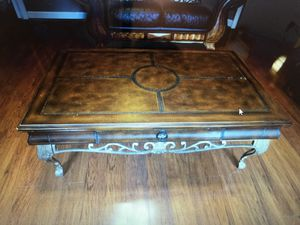 Coffee table with 2 end tables for Sale in Smyrna, TN