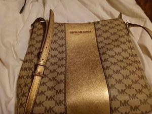 Michael kors shoulder bag for Sale in St. Louis, MO