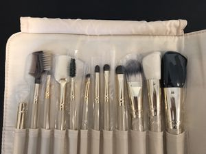 Makeup brush set, 12-piece for Sale in Washington, DC