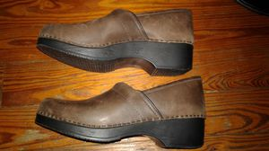 New LL Bean clogs 42eur size us 10 womens nice! for Sale in West Palm Beach, FL
