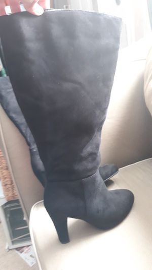 Women boots 10 w for Sale in Durham, NC