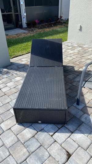 Patio furniture 4 pieces for Sale in Wesley Chapel, FL