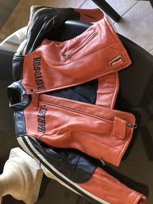 Brand new Authentic HD XS leather jacket never worn . for Sale in Kailua-Kona, HI