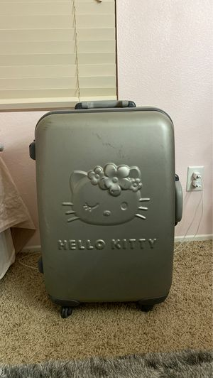 Hello kitty suitcase for Sale in Menifee, CA