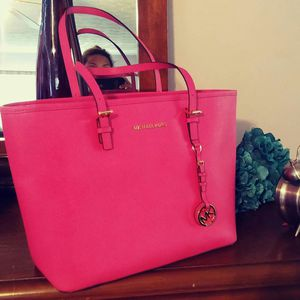 BRAND NEW M Kors MK Tote Bag for Sale in Sugar Hill, GA