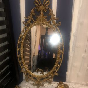 Gold Mirror for Sale in The Bronx, NY