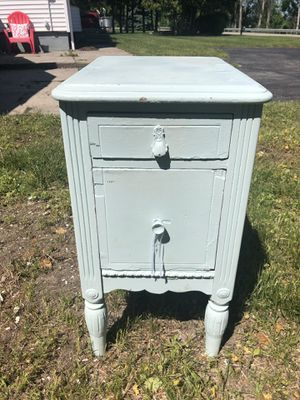 Bedside table for Sale in Suttons Bay, MI
