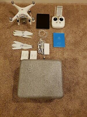 Dji phantom 4 pro v2.0 drone with 2 batteries and Ipad for Sale in Biloxi, MS