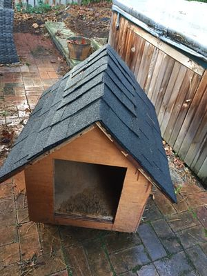 Solid Dog House for Sale in Bellevue, WA