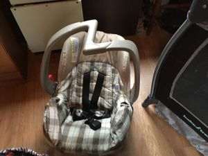 Car seat/carrier for Sale in Somerville, TX