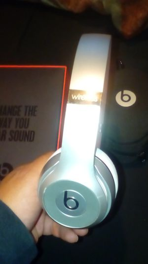 Beats solo wireless silver color comes with earphone holders and box it came in just no charger used only for a while work like new asking $200 for Sale in Fresno, CA