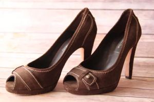 Massimo Dutti high heel brown pumps. Size 6 for Sale in Miami, FL