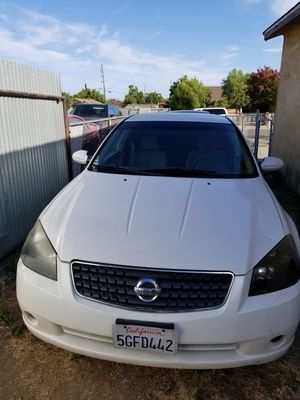 2005 nissan altima 2.5 s sedan 4d for Sale in Stockton, CA