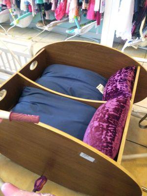 Twin rocking bassinet for Sale in Las Vegas, NV