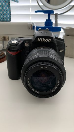 DSLR Nikon camera w/ 18-55mm lens for Sale in St. Cloud, FL