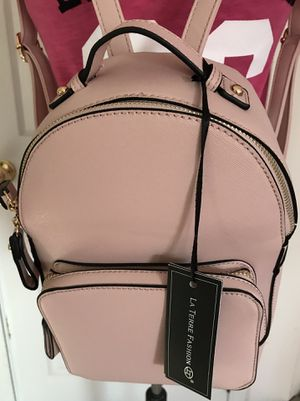 VERY CUTE SMALL PINK COLOR BACKPACK DESIGNED BY LA TERRE FASHION. BRAND NEW. EXCELLENT CONDITION for Sale in West Chicago, IL