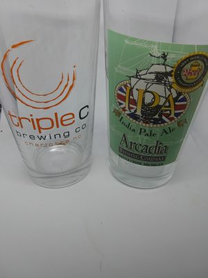 SET OF 2 BEER GLASSES COLLECTIBLE for Sale in Simpsonville, SC