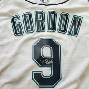 Dee Gordon Autographed Mariners Jersey(XL) And Bat. for Sale in Lake Stevens, WA