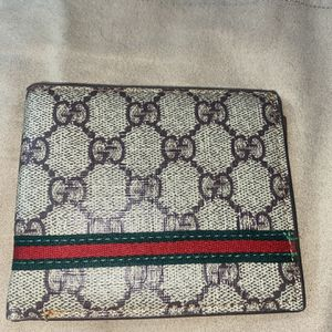 Gucci wallet for Sale in Magna, UT
