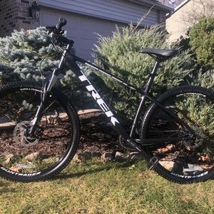 Trek MARLIN 5 for Sale in Bolingbrook, IL
