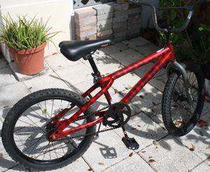 "20"" Next Wipe Out , red kids bike for Sale in Kissimmee, FL"