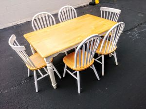 Farmhouse style dining set. 6 chairs for Sale in Lawrenceville, GA