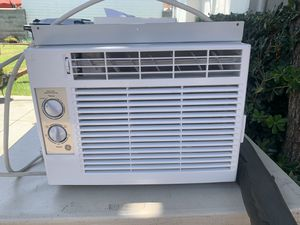 GE window air conditioner for Sale in Los Angeles, CA
