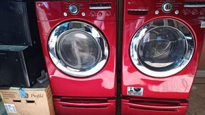 LG washer and dryer set on pedastles for Sale in Vallejo, CA