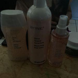Del Mar Set Mist Crema Y Shampoo De Cuerpo for Sale in Sanger, CA