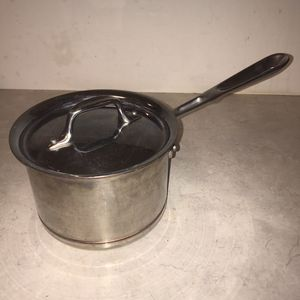 All-Clad Copper Core 2-Qt Stainless Sauce Pan With Lid for Sale in Knoxville, TN