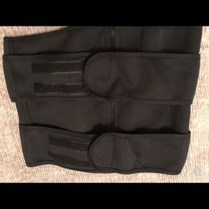 Black Waist Trainer for Sale in Pomona, CA