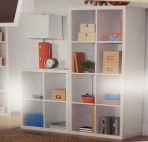 4 cube white bookcase for Sale in Dayton, OH