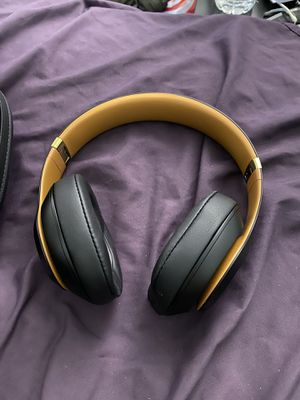 Beats studio 3 wireless headphones!!! Excellent condition!! for Sale in Everett, MA