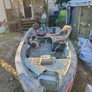 High Tide 14' Super V w/ '01 Yamaha 40 for Sale in Columbia, SC